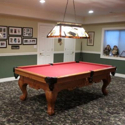 Hand Crafted Player's Choice Billiard/Pool Table & Light
